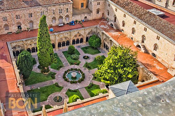 claustro da catedral de Tarragona