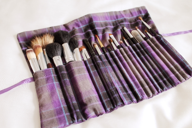 DIY makeup brush roll via lovebirds vintage