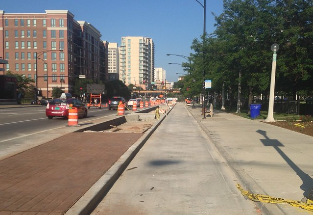 Construction of the Clybourn Avenue curb-separated bike lane