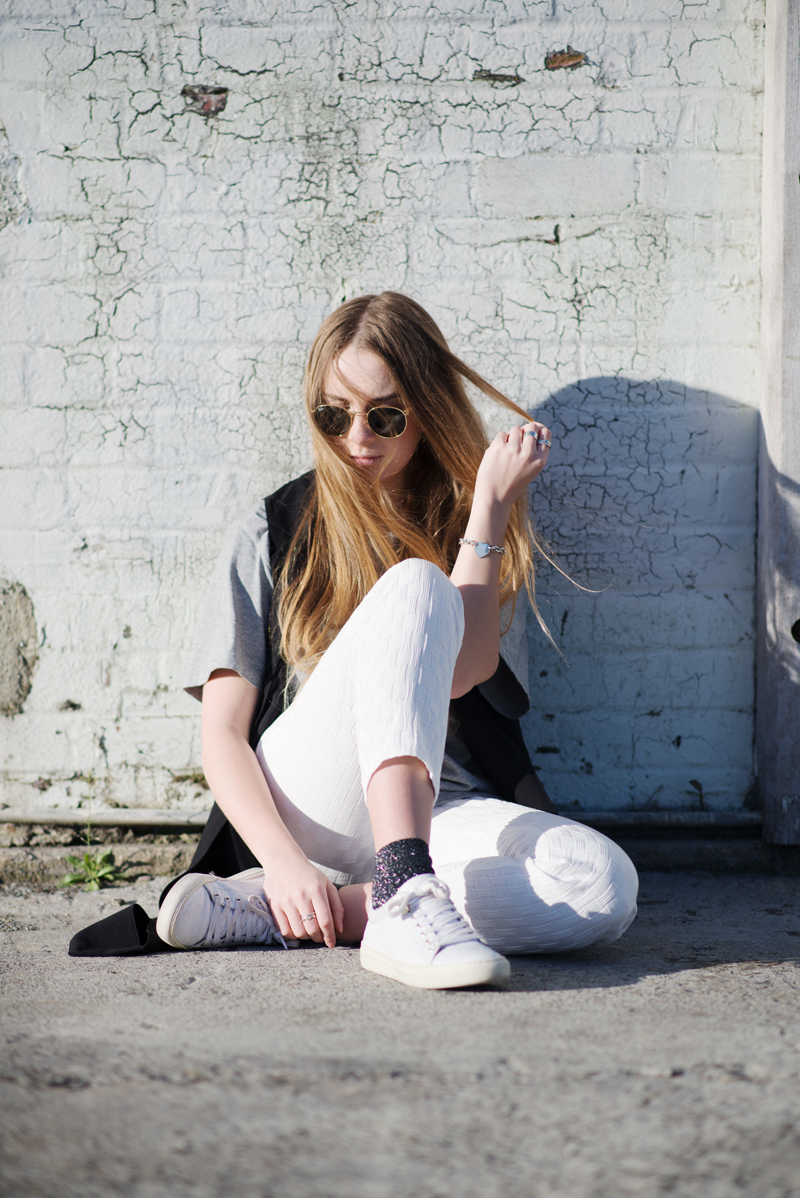Stolen Inspiration | Kendra Alexandra | New Zealand Fashion and Style Blogger | Lonely Hearts Tee, Glassons Sleeveless Blazer, Topshop Pants and Shoes