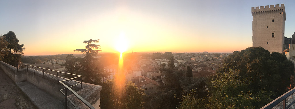 Morgonsol i Avignon