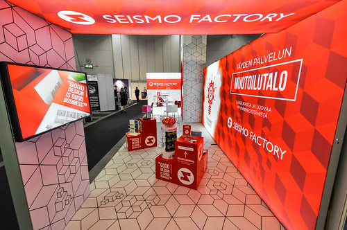 panoramiclightbox_seismofactory_myymala2015_booth_4_16103929293_o