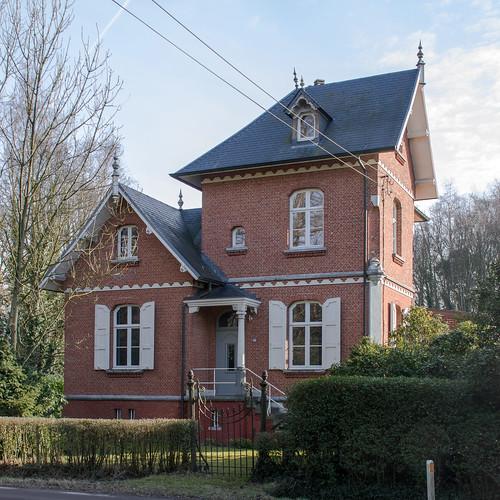 Westmeerbeek, aalmoezenierswoning