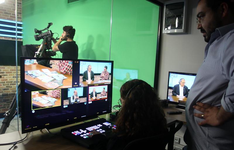 Üsküdar Üniversitesi Televizyonu'ndan ilk canlı yayın 2