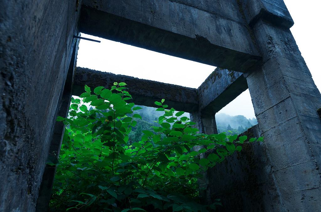 雨の廃鉱山1