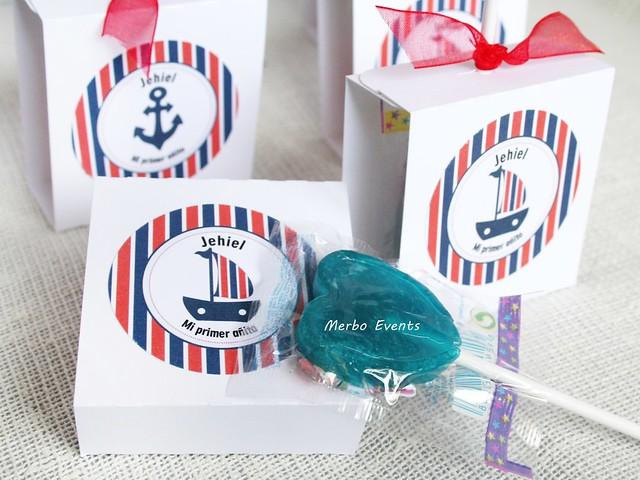 regalos invitados piruletas personalizadas Merbo Events