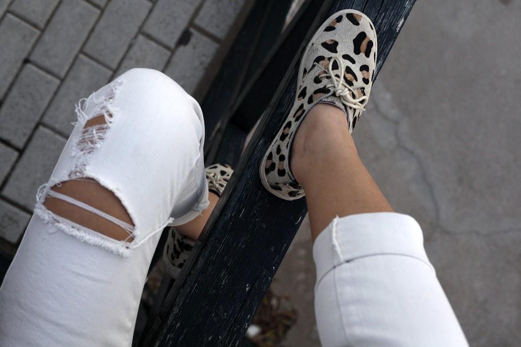 012_a_Green_tartan_coat_theguestgirl_outfit_laura_santolaria_blogger_barcelona_influencers_inspo_looks_casual