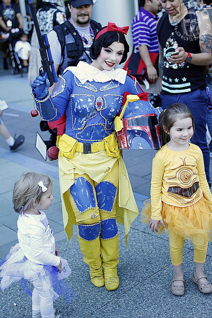 Snoba Fett and Droid Girls