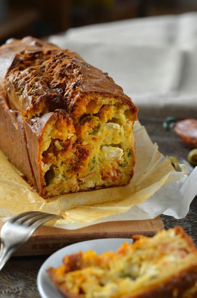 Cake au chorizo, olives et fromage feta
