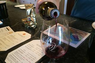 Merriam Vineyards - Wine pour