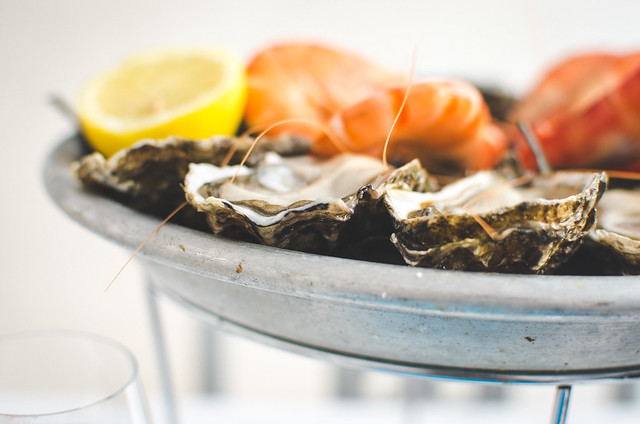 A close up of the fantastics oysters you'll find at Huitrerie Régis.