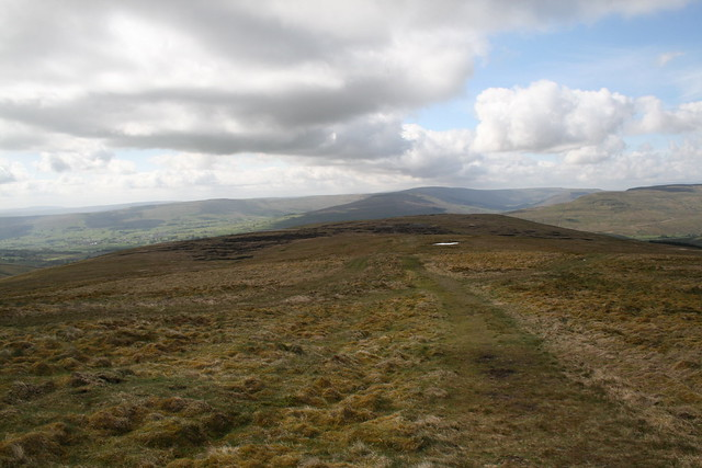 Looking back down the broad moors of Great Shunner Fell