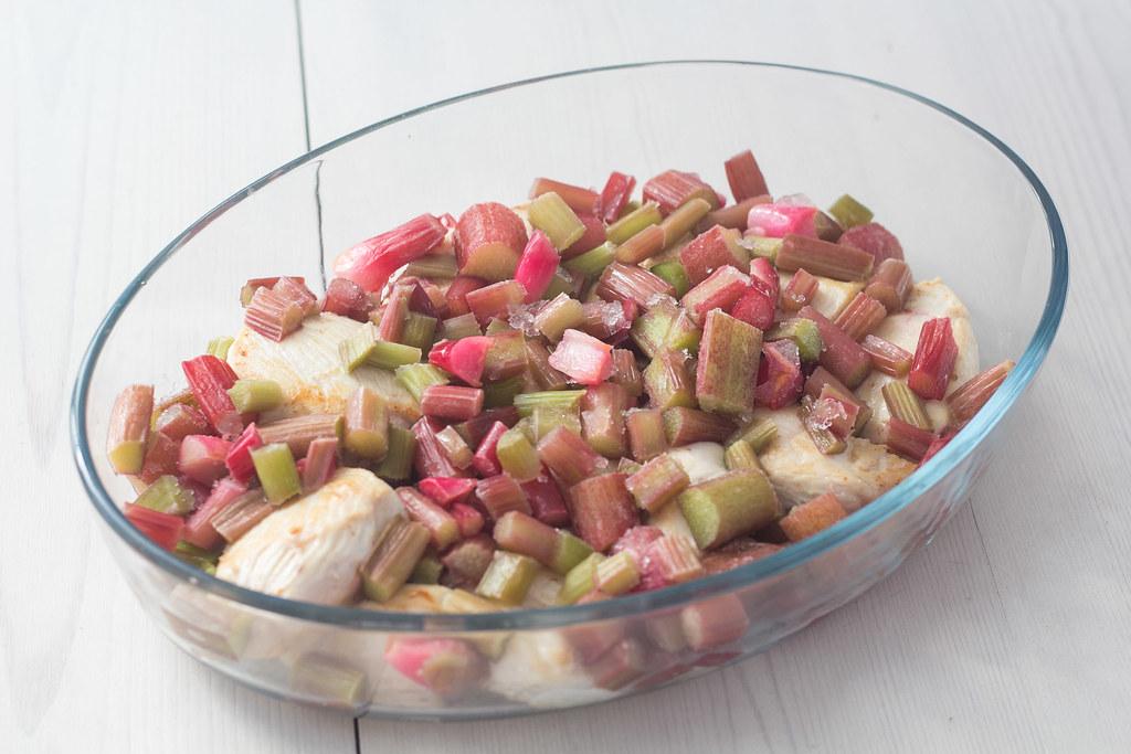 Opskrift på hjemmelavet kylling med rabarber og rød karry  (6)