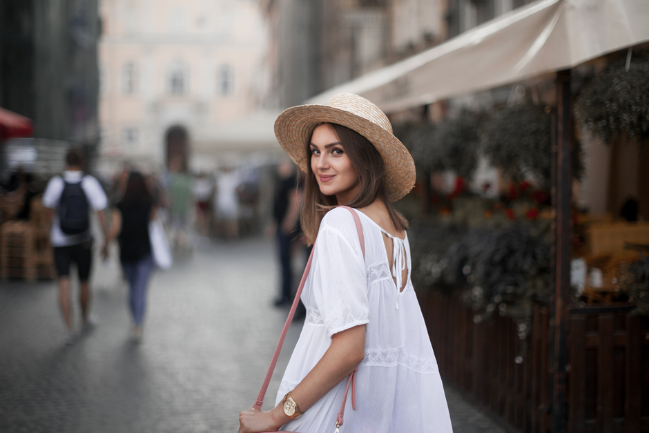 how-to-wear-a-straw-hat-outfit