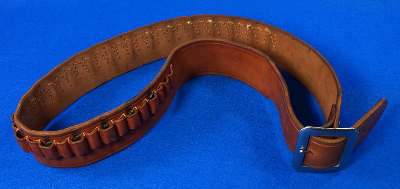 RD15060 Vintage Hand Made By Viking Mexican Leather Gun Ammo Belt .22L 7012 43 inch Long DSC07346