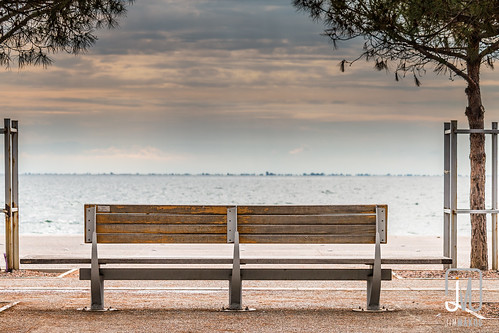 sea sky wet bench outdoors evening waiting loneliness view cloudy calm greece macedonia promenade thessaloniki gr seafront parkbench timeless thessaloníki makedonia μακεδονια makedoniathraki