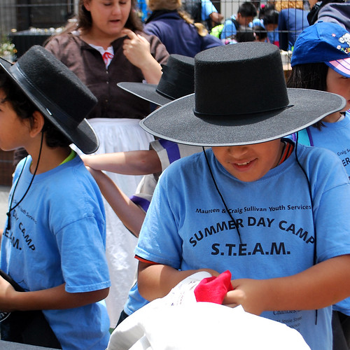 Anza Trail Table - Kids in Hats