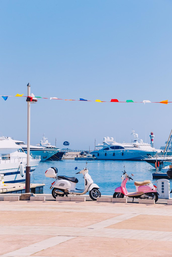 the Harbour and some cute vespas