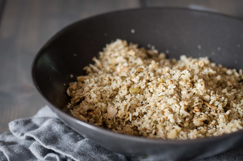 "Gluten free pumpkin seed ""breadcrumb"" topping for healthy butternut squash mac and cheese!"