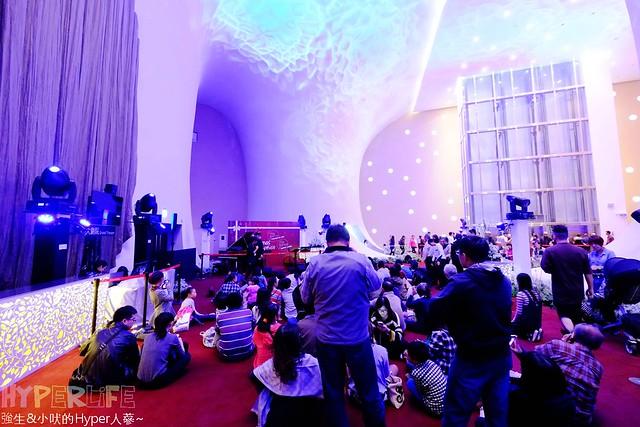 台中歌劇院聖誕燈光秀 (28)