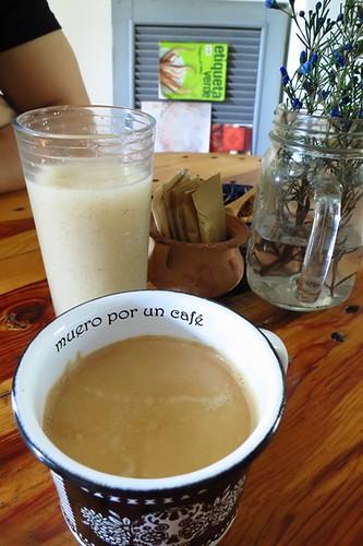 Limonada de granadilla, café americano