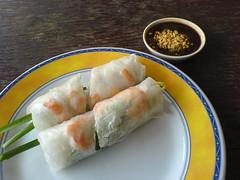 meal(0.0), taquito(0.0), fish(0.0), nem rã¡n(0.0), jiaozi(0.0), dim sum food(1.0), lumpia(1.0), egg roll(1.0), spring roll(1.0), food(1.0), dish(1.0), cuisine(1.0),