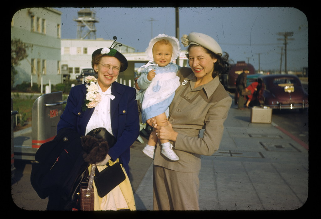 RET KIT AND MOM AT AIRPORT 1949