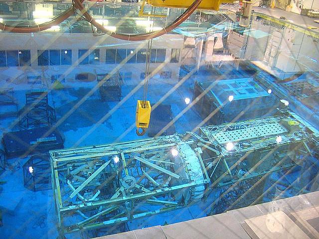 Astronaut training pool johnson space center houston dec for Garden training pool