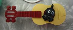 how do i play a guitar