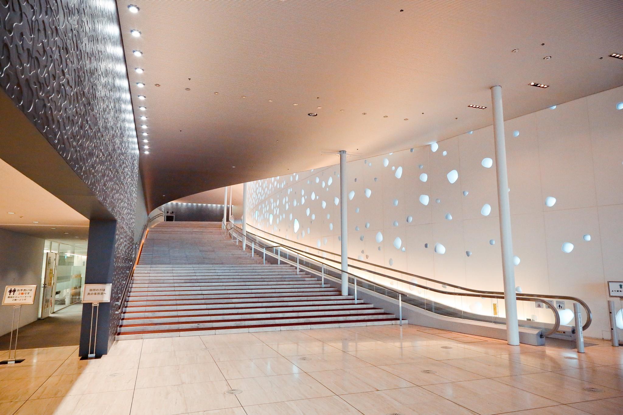 長野県松本市 まつもと市民芸術館 (伊東豊雄)