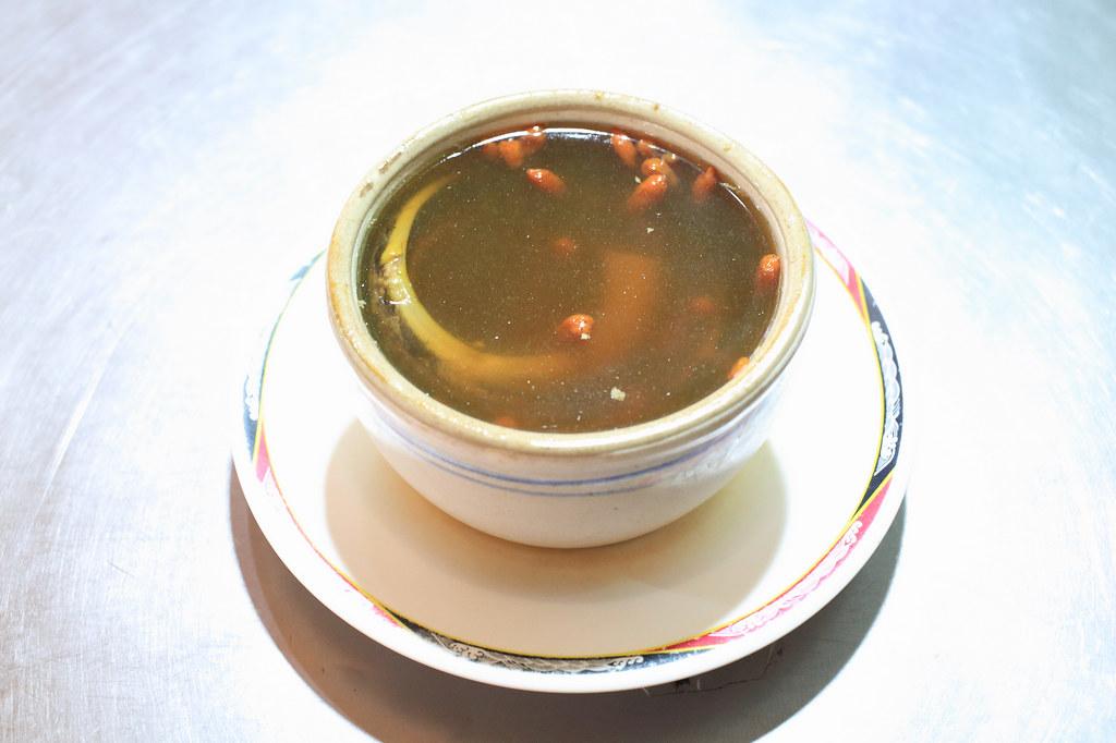 20150621萬華-梧州街無名鱔魚湯、臭豆腐 (5)