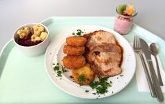 "Pork scallop ""gypsy style"" with potato p…"