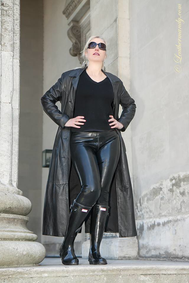 Sexy mistress in leather spanks the slut 4