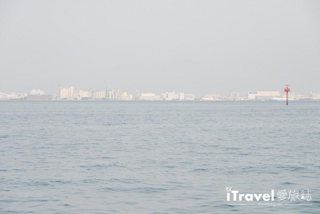 《福冈乘船体验》博德湾汽船航线:搭乘安田海上接驳船,快速往返海之中道与福冈塔两地景点。