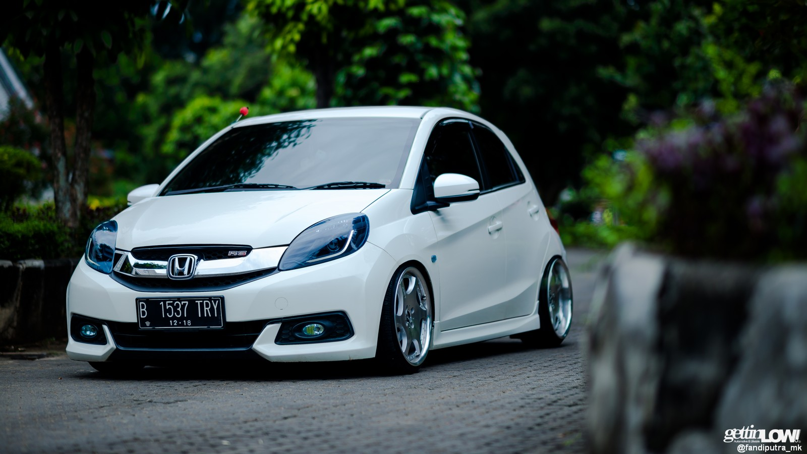 GETTINLOW | Modifikasi Honda Brio Rapih milik Radivan ...