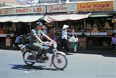 SAIGON 1969 - Street Scene - Đường Lê Thánh Tôn