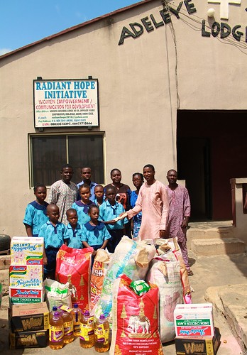 The students of St Louis Nursery and Primary School, Akure also visited a local NGO, the Radiant Hope Initiative, that takes care of neglected widows, and also donated to that charity