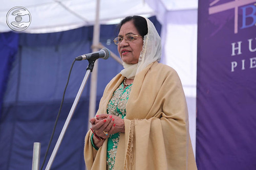 Devotional song by Varinder Kaur from Montreal, Canada