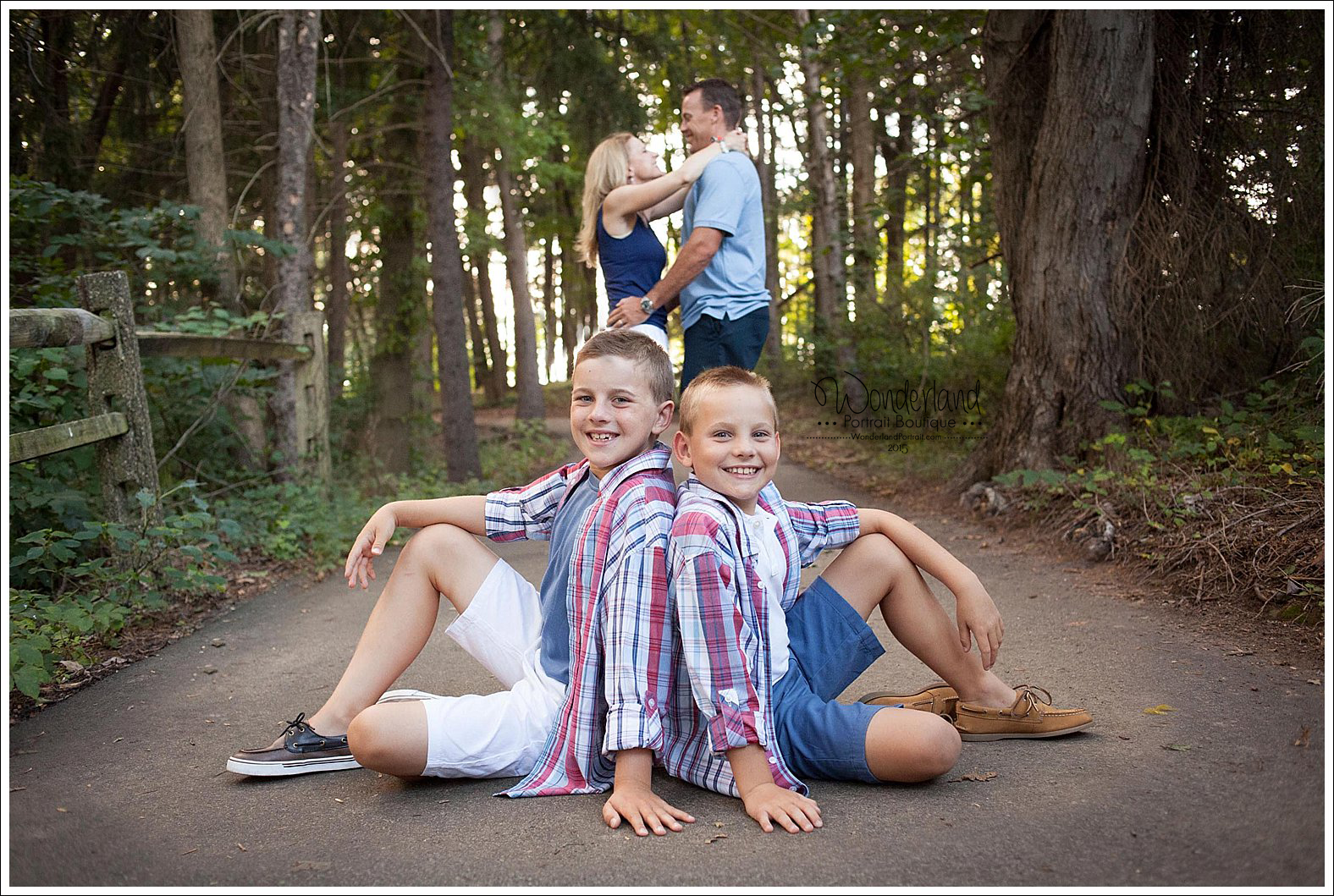 Newtown Family Photographer WonderlandPortrait.com
