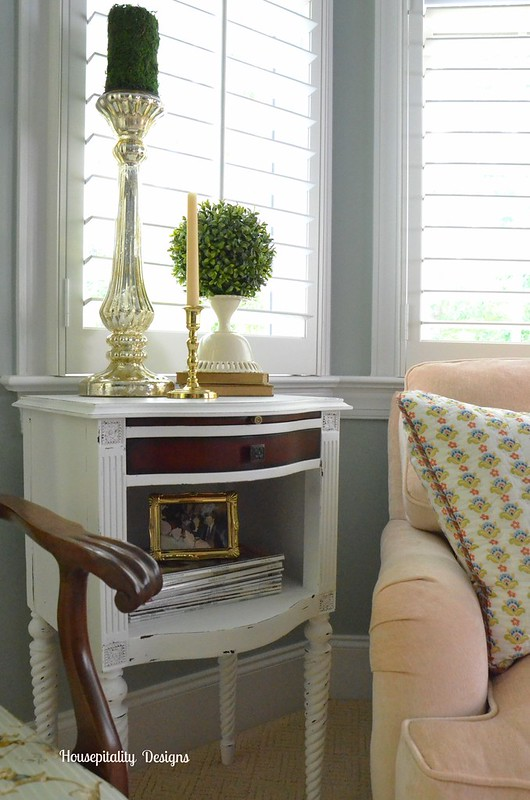 Accent table-Housepitality Designs