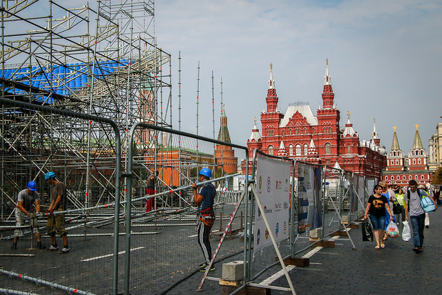 Special stage for an event under construction in Red Square, Moscow, Russia モスクワ、特設ステージ建設中な赤の広場