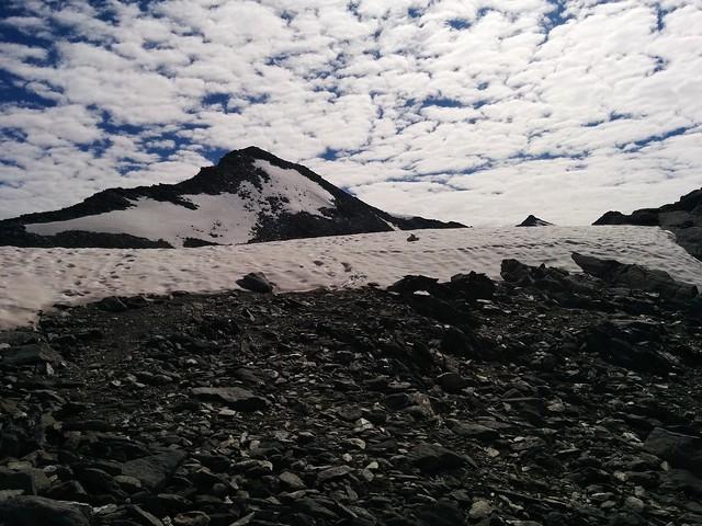 An der Bärenluegscharte, Blick auf die Dreieckspitze