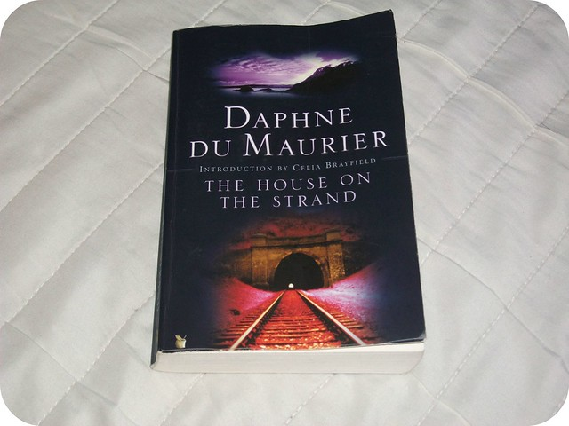 The House On The Strand Daphne du Maurier Review