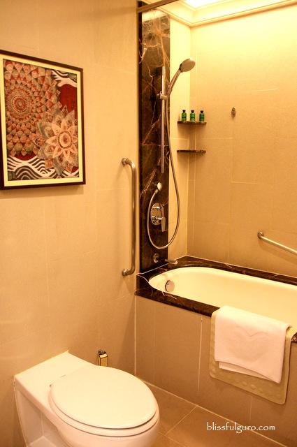 Sule Shangri-La Hotel Yangon Myanmar Deluxe Room