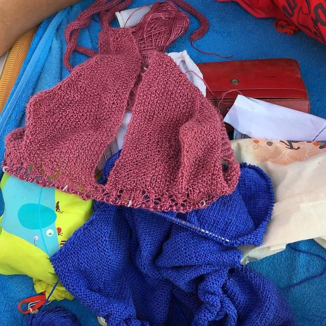 Knit in the Bach #giriingiro #pinarella #summer #emiliaromagna #estate #igersforli #IG_FORLICESENA #ig_ravenna #knit #instaknit #instaknitting #knittersofig #knittersfriends #knittersofinstagram #ameliabefana