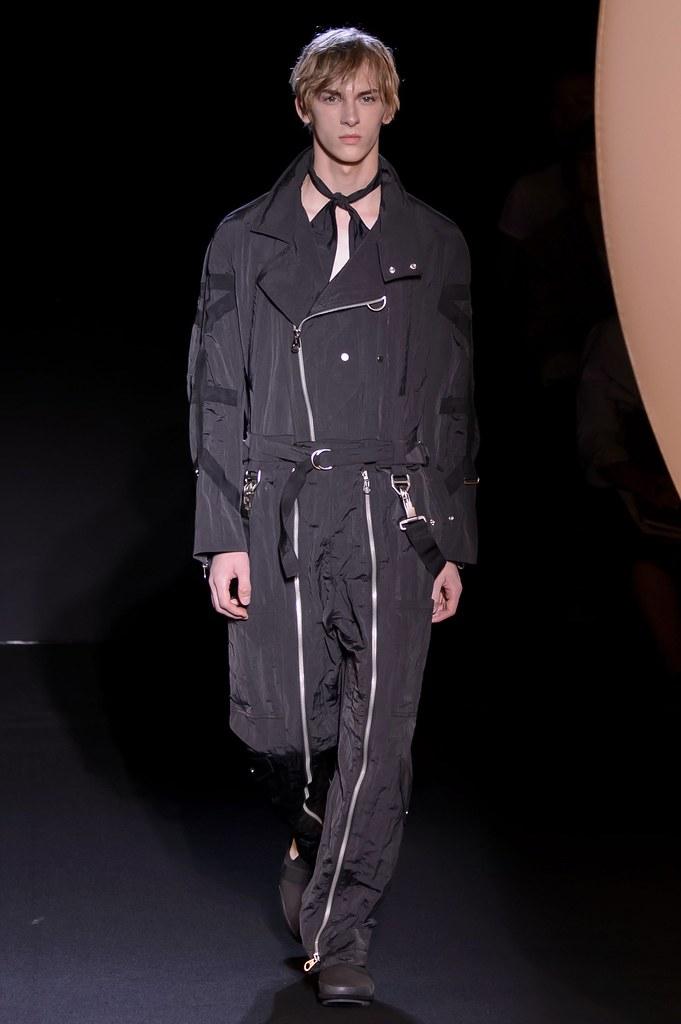 Dominik Sadoch3411_SS16 Paris Wooyoungmi(fashionising.com)