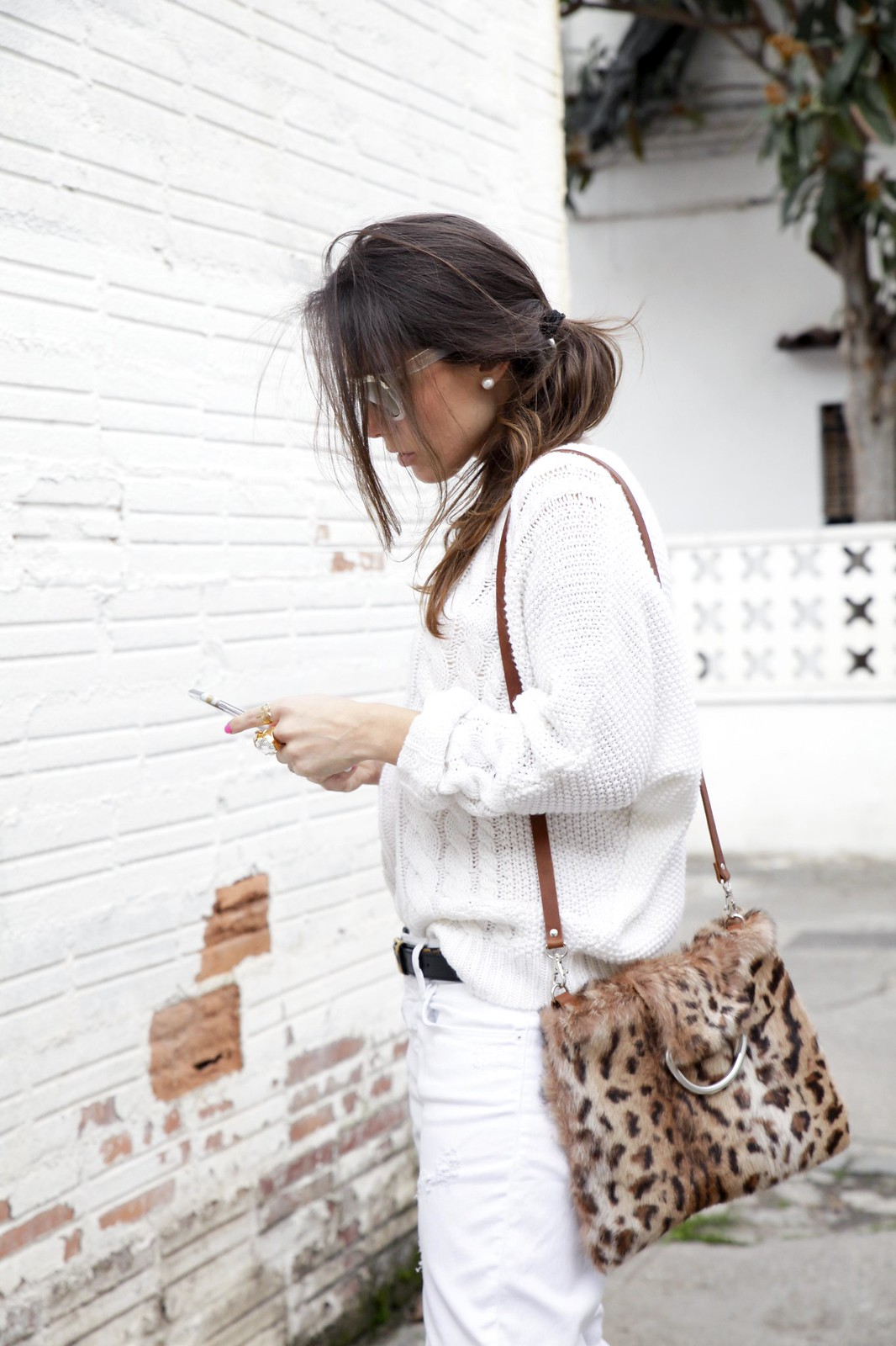 010_TOTAL_WHITE_OUTFIT_AND_LEO_LAURA_SANTOLARIA_THEGUESTGIRL_INFLUENCER_BARCELONA