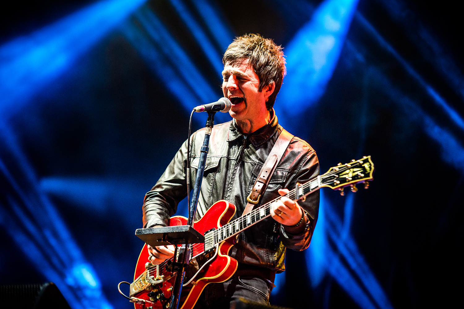 BKS 704 - Noel Gallagher's High Flying Birds