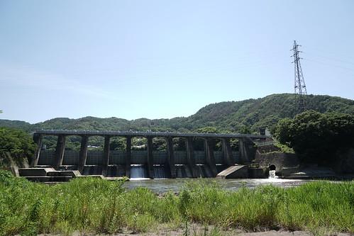 西浦ダムを下流側から望む