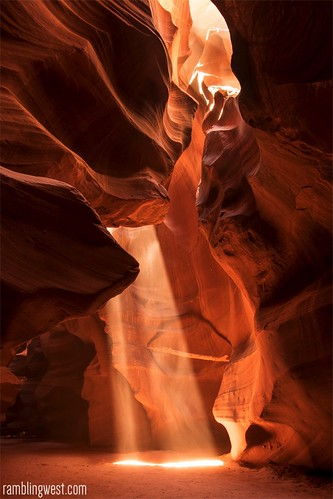 _DSC5674_rw, Antelope Canyon light image